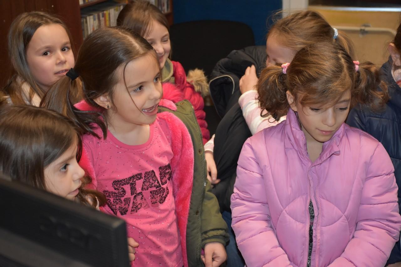 djeca_u_posjeti_radio_rami_12.jpg