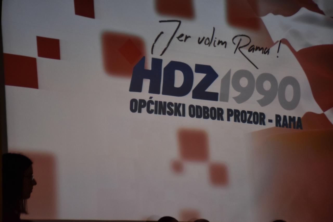 hdz_1990_prozor_rama_predizborni_skup_20.10.2020._kino_dvorana_prozor_117.jpg